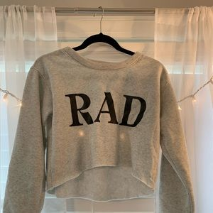 🤘🏽Grey Long Sleeve Cropped Pullover🤘🏽
